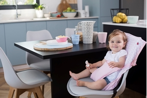 Picture of Baby To Love Pocket Chair - Pink Hearts