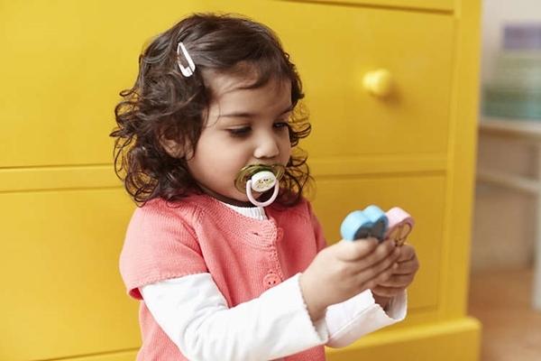 Philips Avent Πιπίλα σιλικόνης Freeflow, 18 μηνών+, girl (2 τεμάχια)