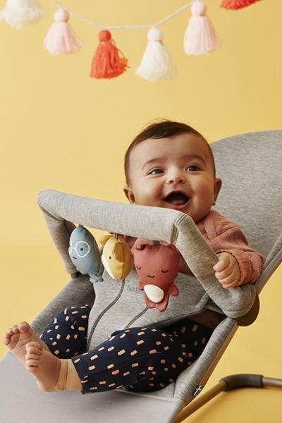 BabyBjorn Μπάρα Παιχνιδιών Για Ρηλάξ Soft Friends